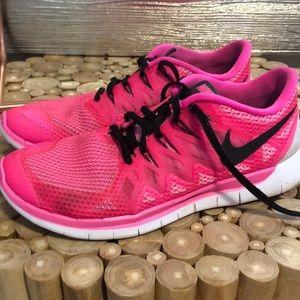Nike Free Running Shoes - Pink
